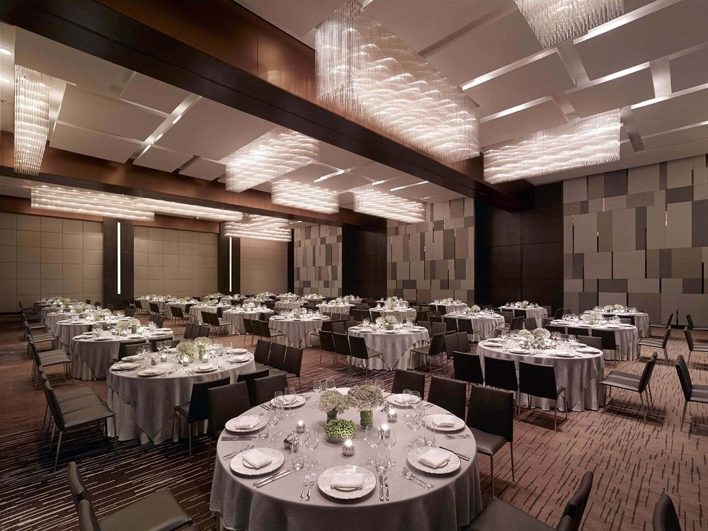 function hall Dining banquet restaurant ballroom conference hall convention center wedding reception set dining table