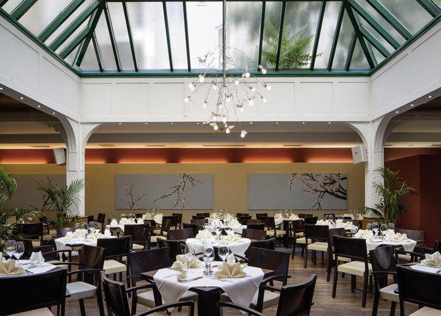 chair Dining restaurant function hall convention center ballroom set