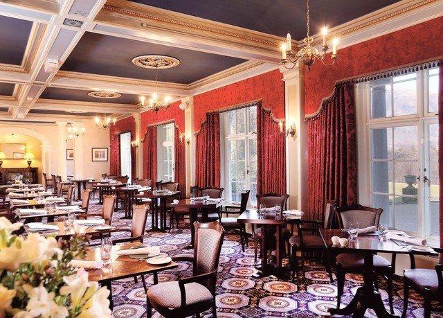 restaurant Dining function hall ballroom dining table