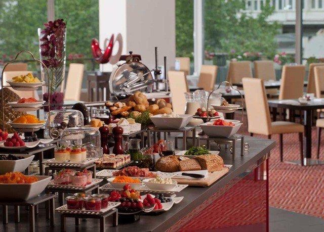 food plate brunch buffet Dining breakfast lunch restaurant sense set dining table
