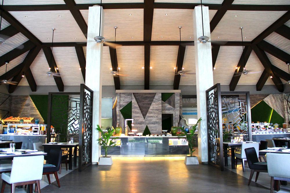 chair restaurant Dining food court