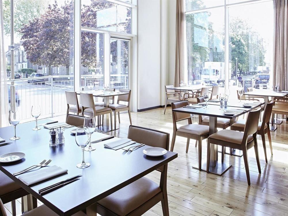 property restaurant Dining condominium home dining table