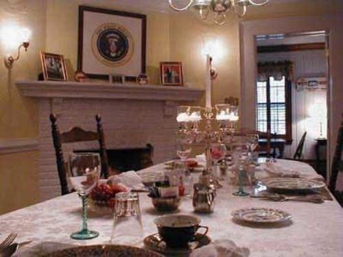 property restaurant Dining cottage living room hacienda set dining table