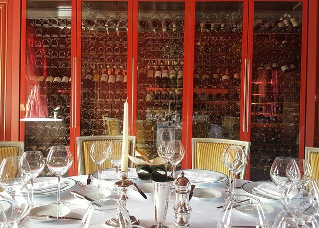 wine glasses restaurant Dining function hall dining table