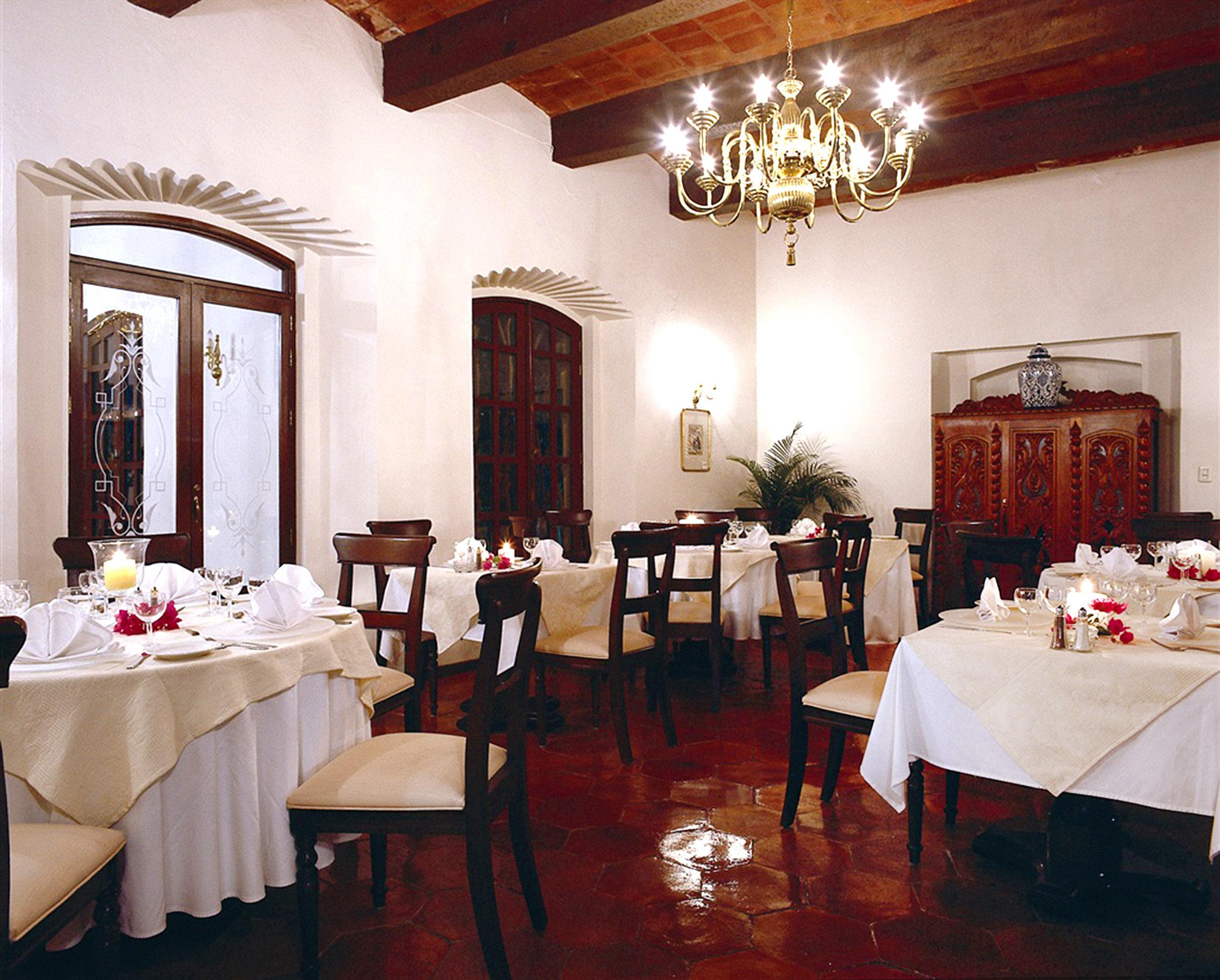 Dining Drink Eat restaurant function hall ceremony ballroom banquet dining table