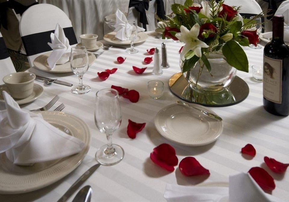 Dining Drink Eat plate centrepiece banquet restaurant ceremony wedding dinner flower brunch set dining table