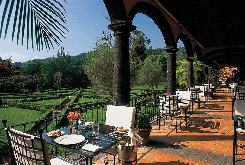 Dining Drink Eat Elegant Lounge Luxury Scenic views chair building backyard Resort Villa lawn set grill colonnade