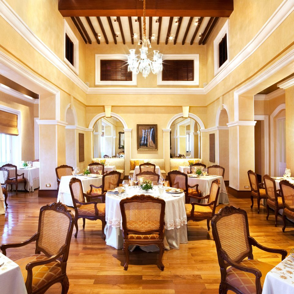 Dining Drink Eat Elegant Luxury property function hall Resort mansion Suite ballroom living room restaurant palace Villa