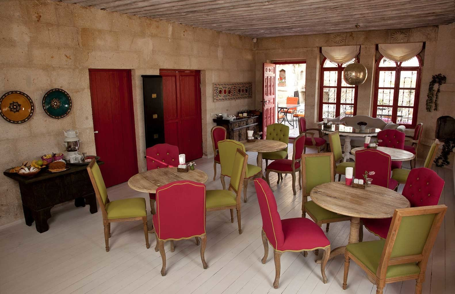Dining Drink Eat Elegant Rustic chair property restaurant building red cottage Resort dining table