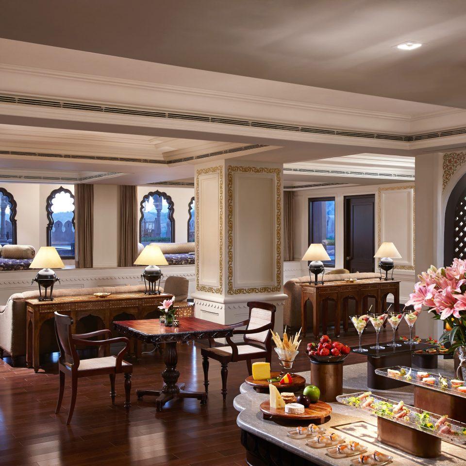 Dining Drink Eat Elegant function hall home restaurant Lobby ballroom living room