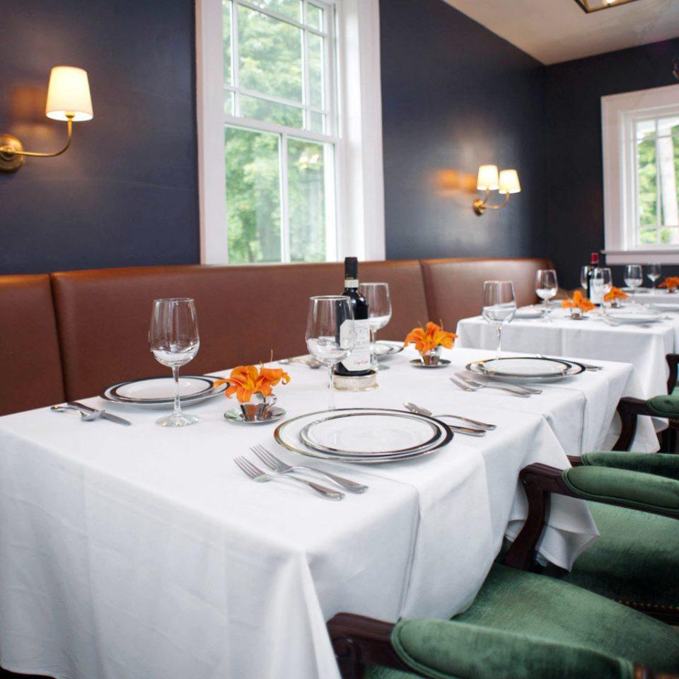 Dining Drink Eat Elegant Inn Romantic restaurant green function hall Suite
