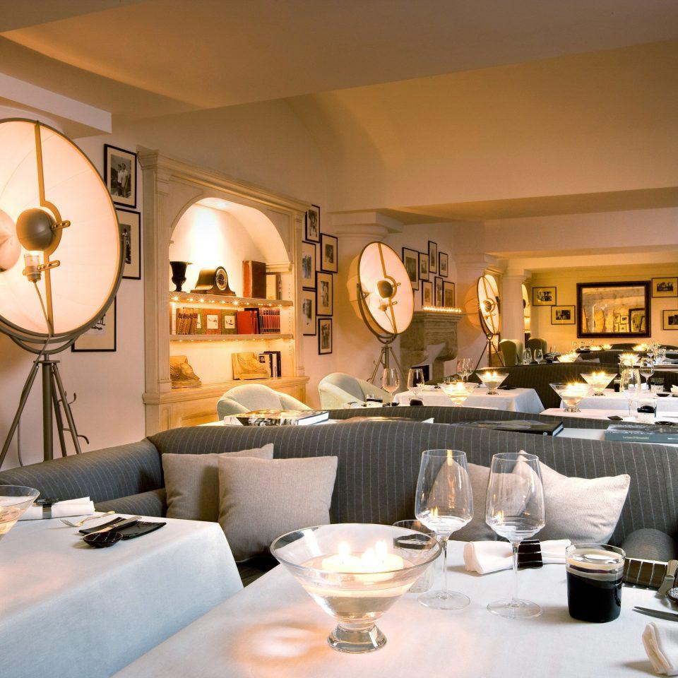 Dining Drink Eat Elegant Nightlife restaurant living room home function hall