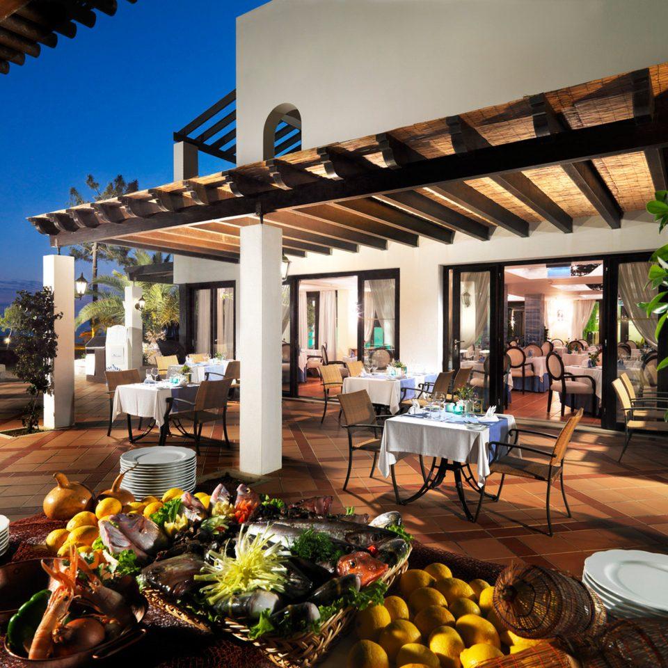 Dining Drink Eat Family Patio Resort pergola outdoor structure home Villa backyard restaurant
