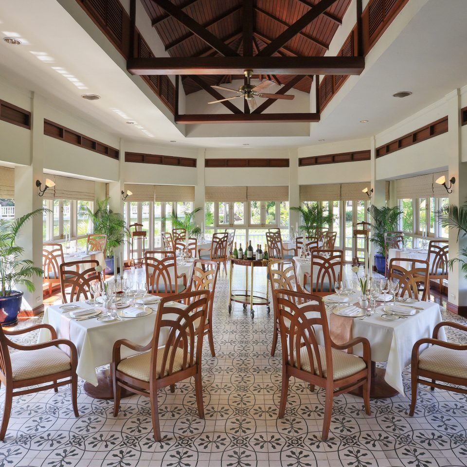 Dining Drink Eat Family Resort chair property restaurant function hall Lobby palace convention center porch