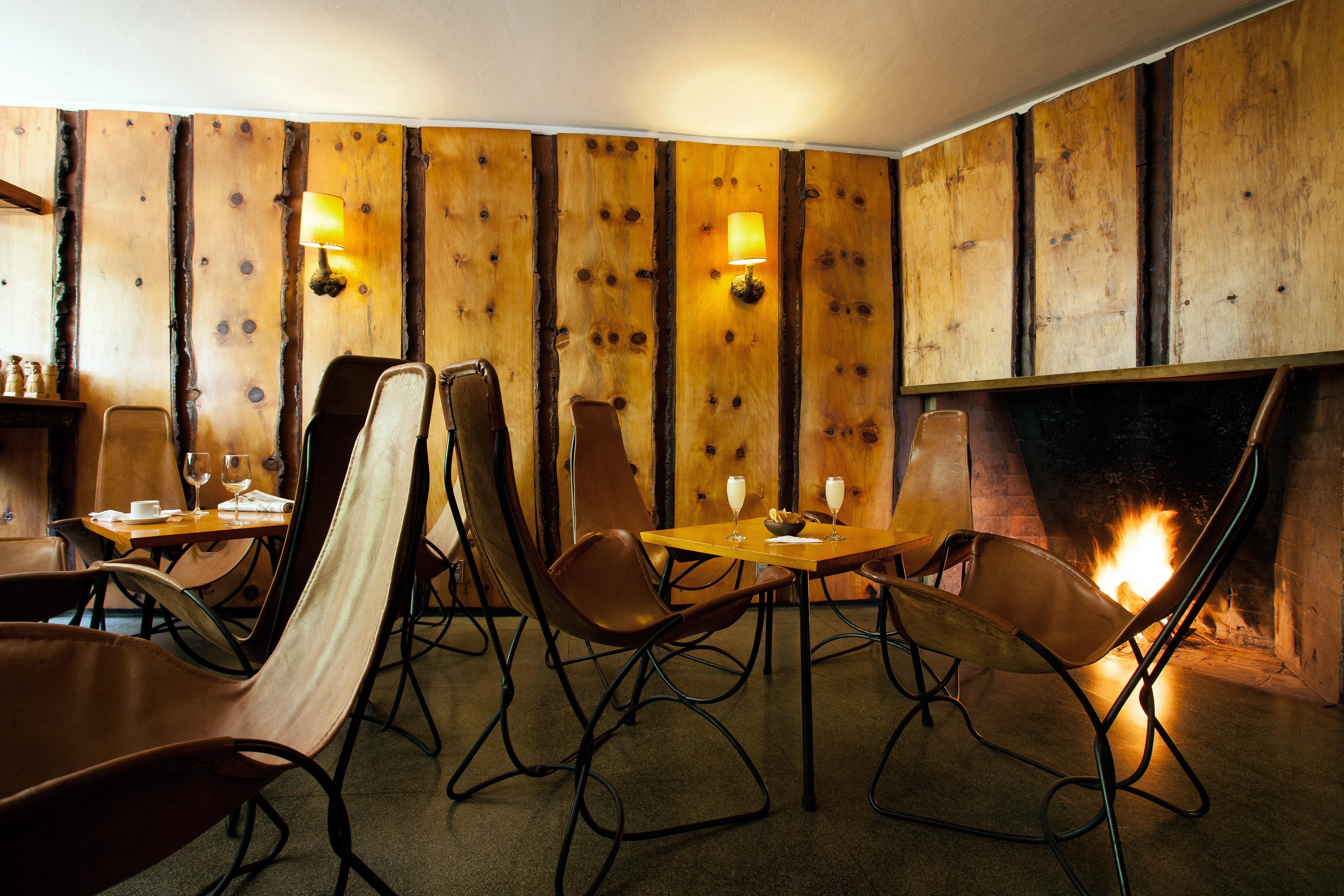 Dining Drink Eat Fireplace Luxury Modern Resort Scenic views light lighting restaurant