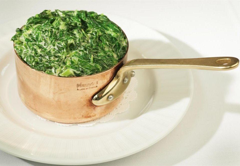 Dining Eat plate green food sauce vegetable Drink tea sliced