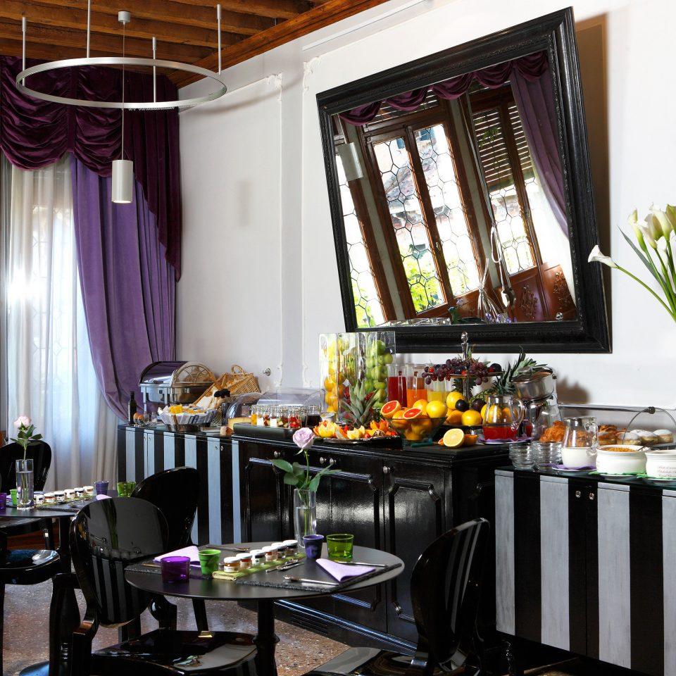 Dining Drink Eat Hip Historic Luxury property home Kitchen restaurant floristry brunch