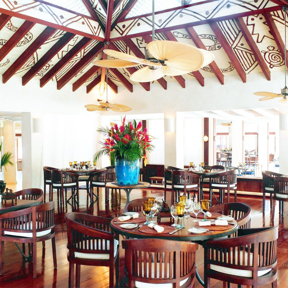 Dining Drink Eat Island Resort Tropical chair property restaurant function hall hacienda set dining table
