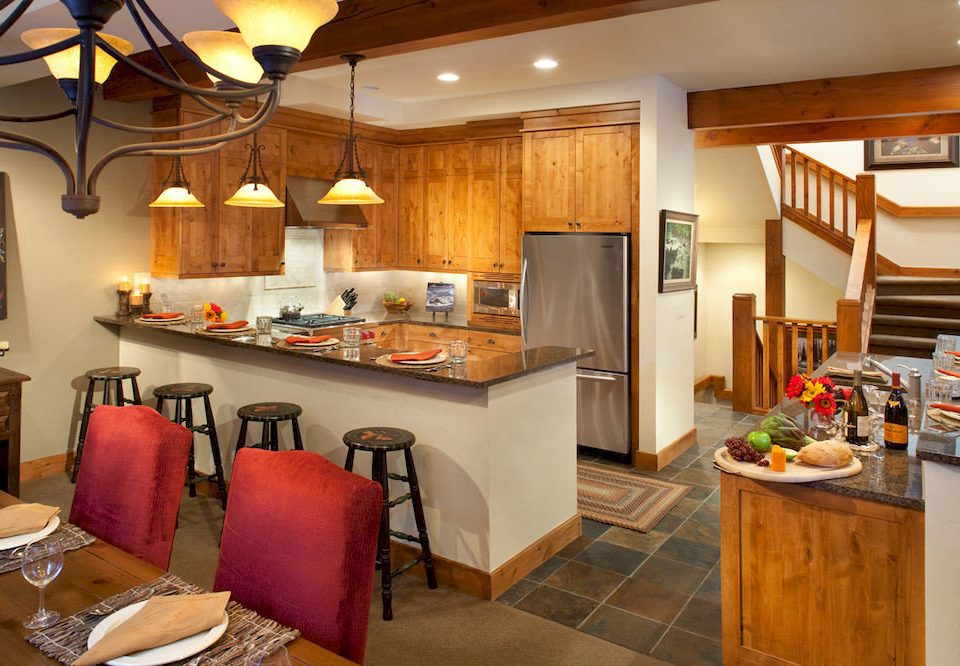 Dining Drink Eat Kitchen Resort property home cabinetry cottage cuisine living room food appliance