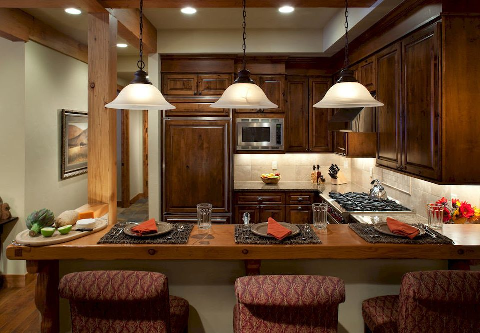 Dining Drink Eat Kitchen Resort property home cabinetry countertop living room lighting cottage