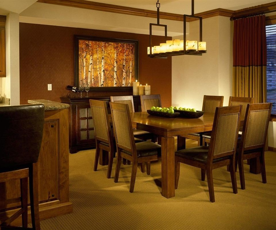 Dining Drink Eat Kitchen Lodge Resort chair property home restaurant living room lighting Suite cottage recreation room dining table