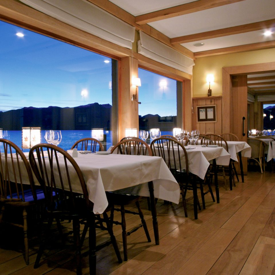 Dining Drink Eat Lake Scenic views Waterfront property function hall Resort restaurant home ballroom Suite conference hall Villa dining table