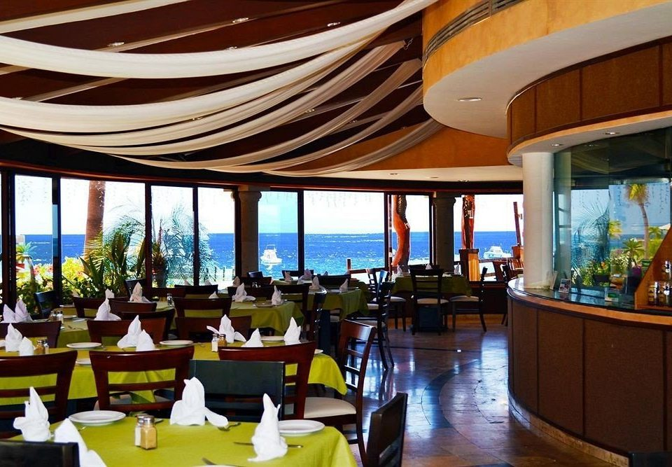 Dining Drink Eat Ocean Resort Scenic views Tropical chair restaurant function hall convention center Lobby