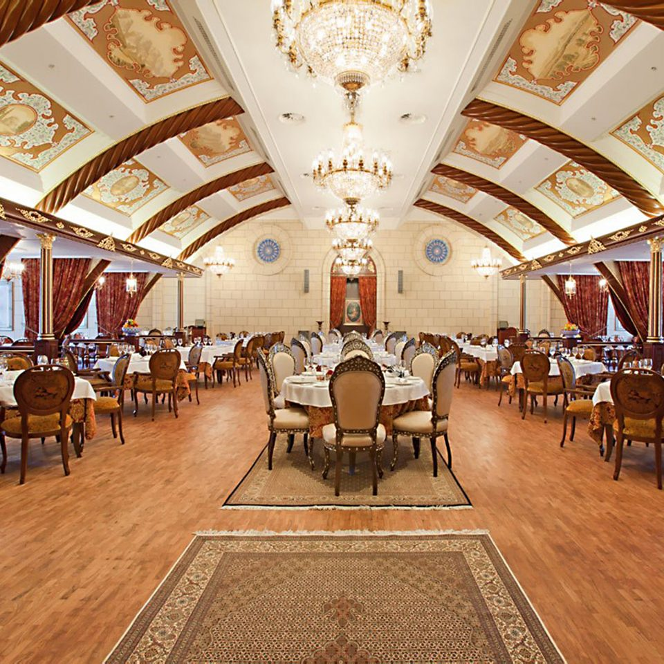 Dining Drink Eat Resort chair building Lobby function hall palace ballroom restaurant convention center aisle hall
