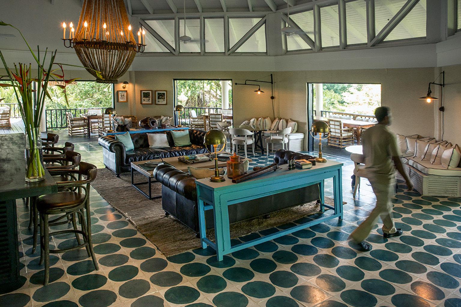 Dining Drink Eat Lodge property restaurant home Resort Lobby
