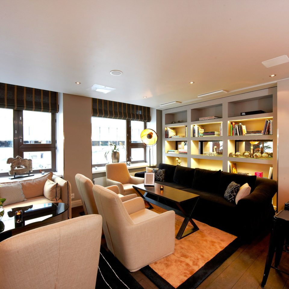 Dining Drink Eat Modern property condominium living room restaurant home Lobby Suite cluttered