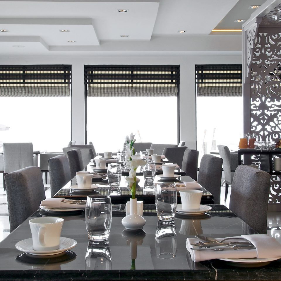 Dining Drink Eat Luxury Resort restaurant function hall conference hall Lobby living room set dining table