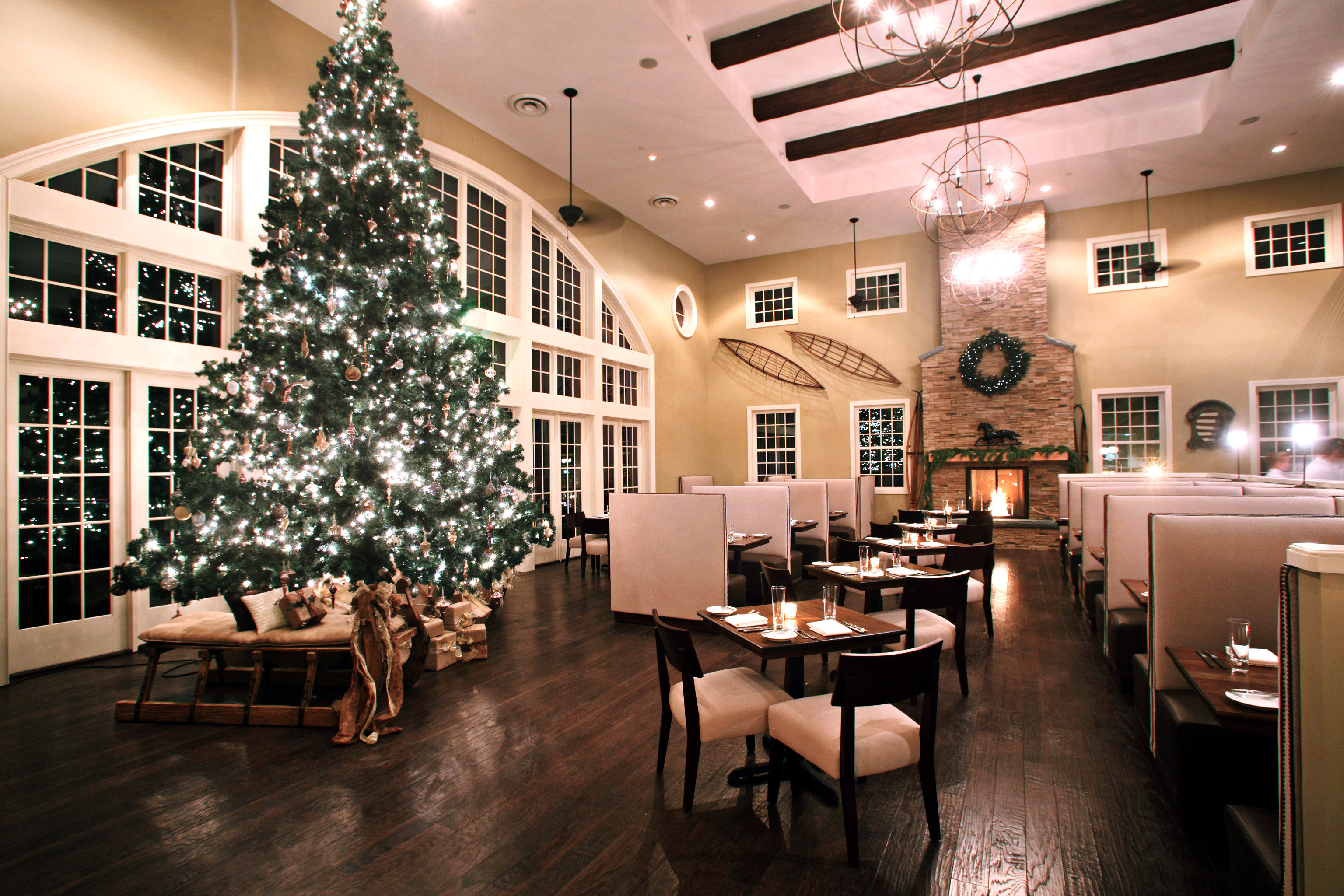 Dining Drink Eat Lobby restaurant function hall café basement