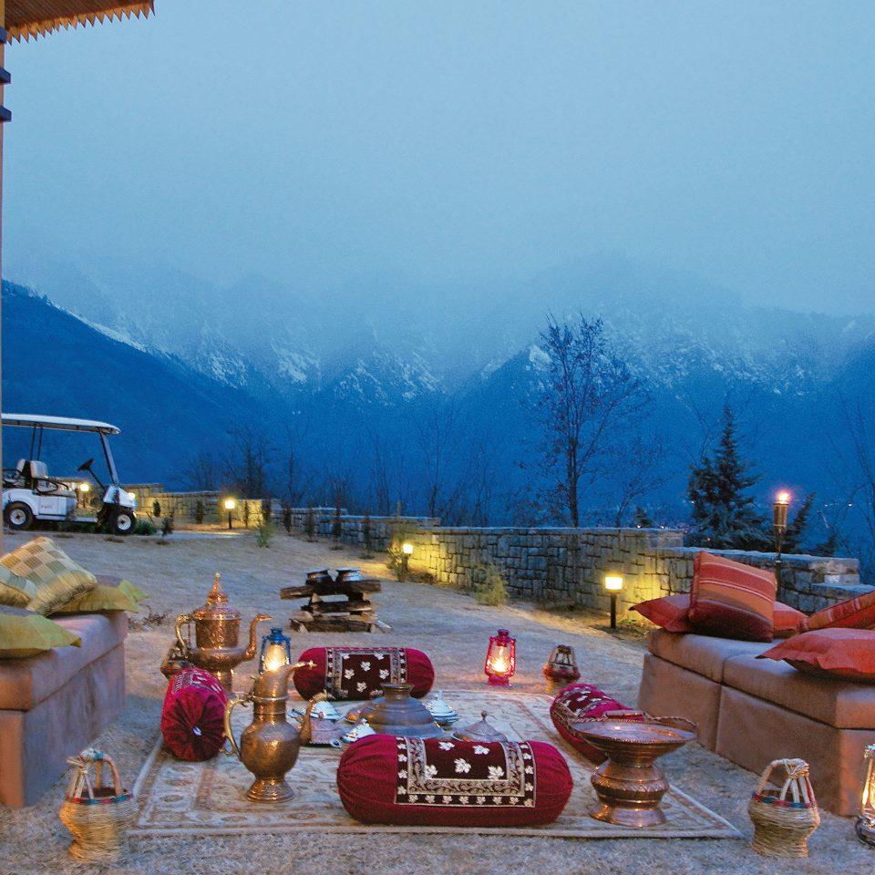 Dining Drink Eat Lounge Luxury Outdoors Patio Resort Scenic views mountain screenshot
