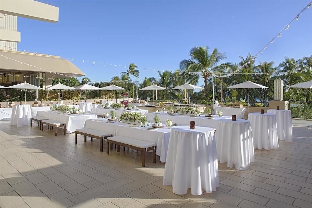 Dining Drink Eat Lounge Resort Rooftop sky ground property restaurant Villa function hall hacienda day