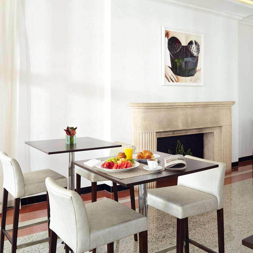 Dining Drink Eat Luxury property home living room cottage Suite dining table