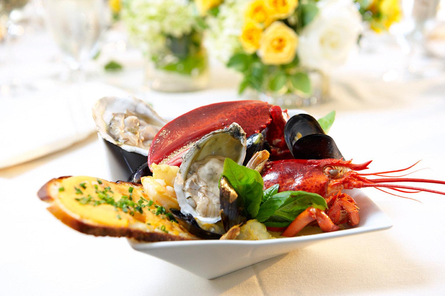 Dining Drink Eat Modern plate food Seafood mussel hors d oeuvre cuisine sense invertebrate lunch restaurant arranged