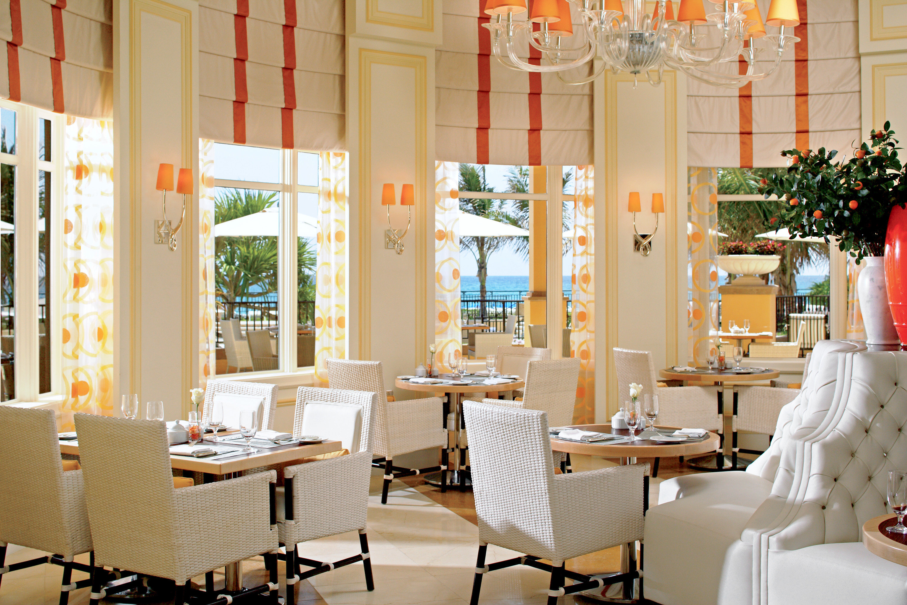 Dining Drink Eat Modern Resort Scenic views restaurant white home living room dining table