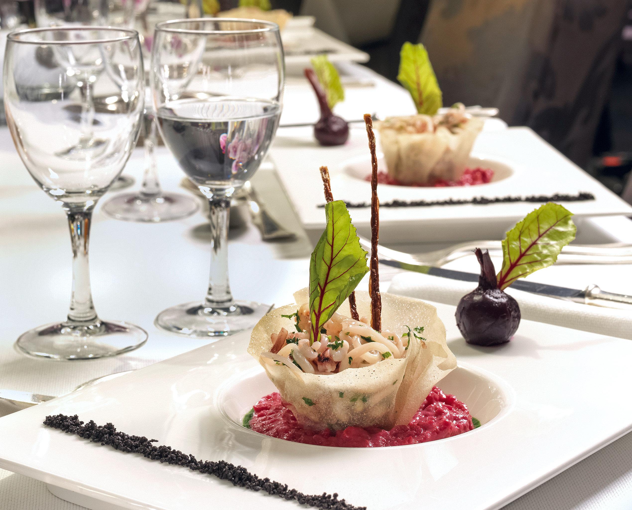 Dining Drink Eat Modern Resort plate wine food restaurant brunch white dinner sense hors d oeuvre lunch breakfast cuisine buffet