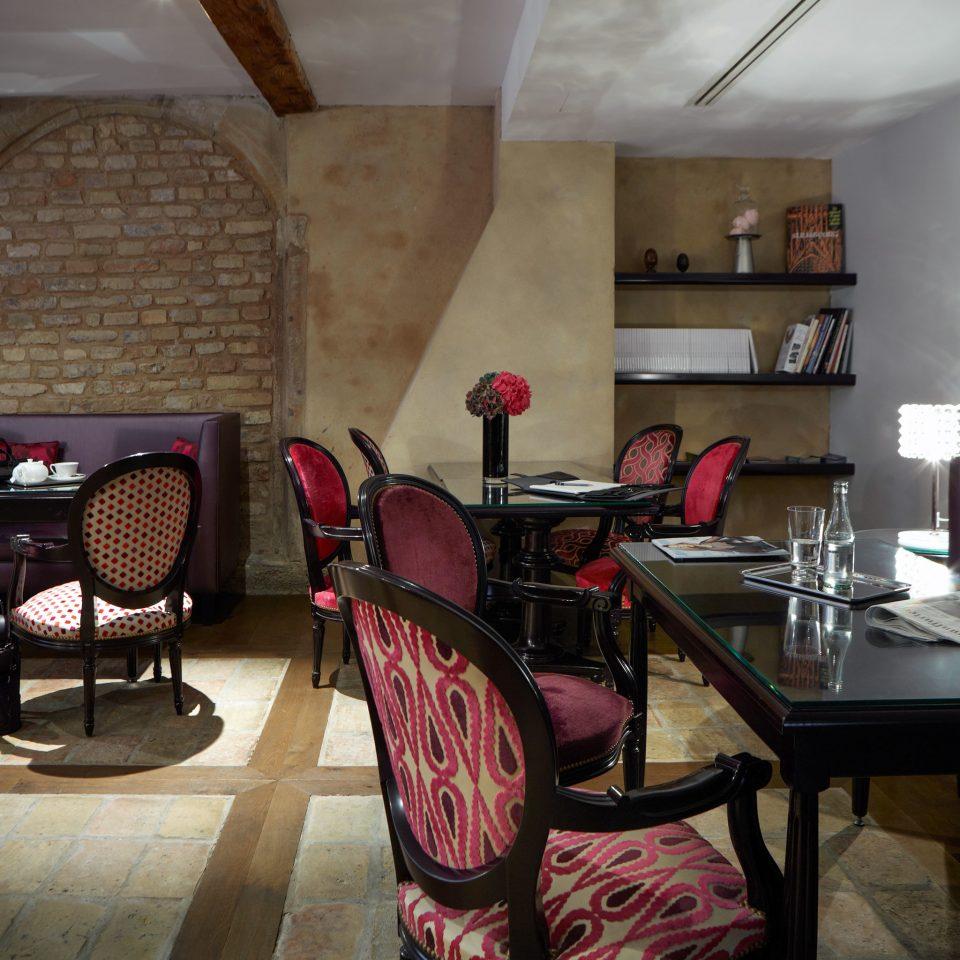 Dining Drink Eat Modern property chair living room restaurant home cottage