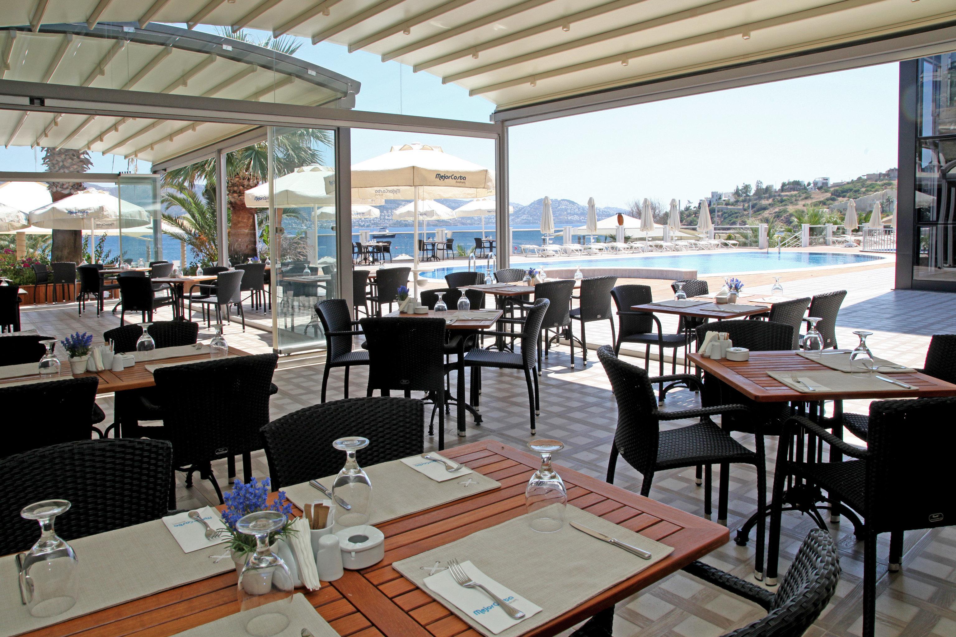 Dining Drink Eat Modern Outdoors Waterfront property restaurant Resort vehicle overlooking