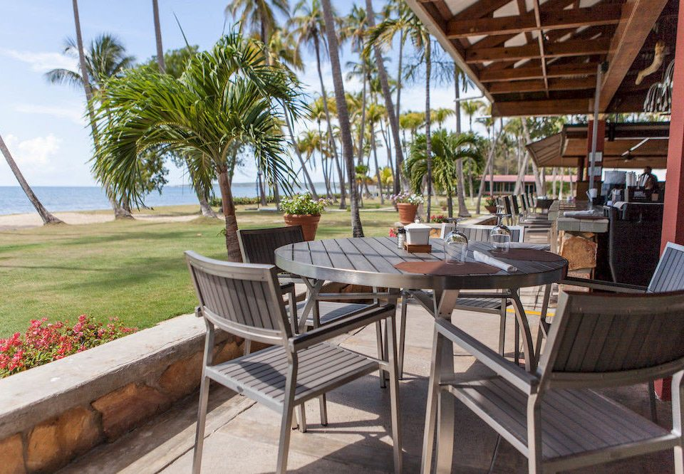 Dining Drink Eat Resort chair property Villa cottage restaurant outdoor structure