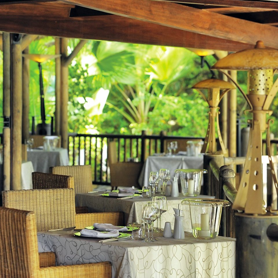 Dining Drink Eat Resort wooden restaurant home cottage porch outdoor structure backyard farmhouse dining table