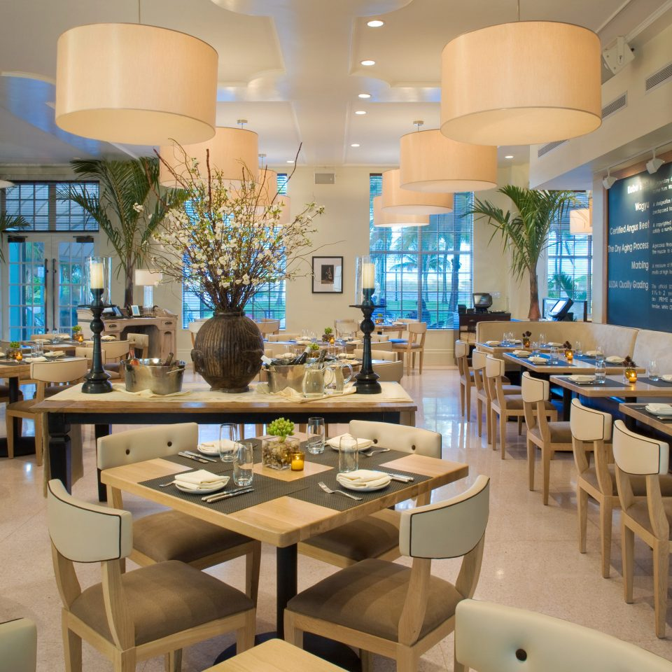 Dining Drink Eat Resort chair property restaurant condominium café function hall cafeteria