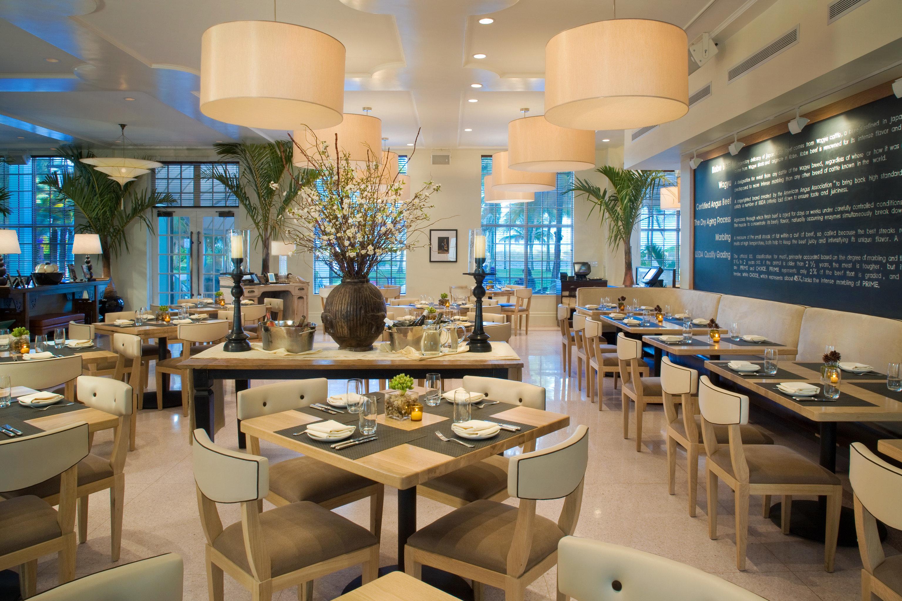 Dining Drink Eat Resort chair property restaurant condominium café function hall cafeteria