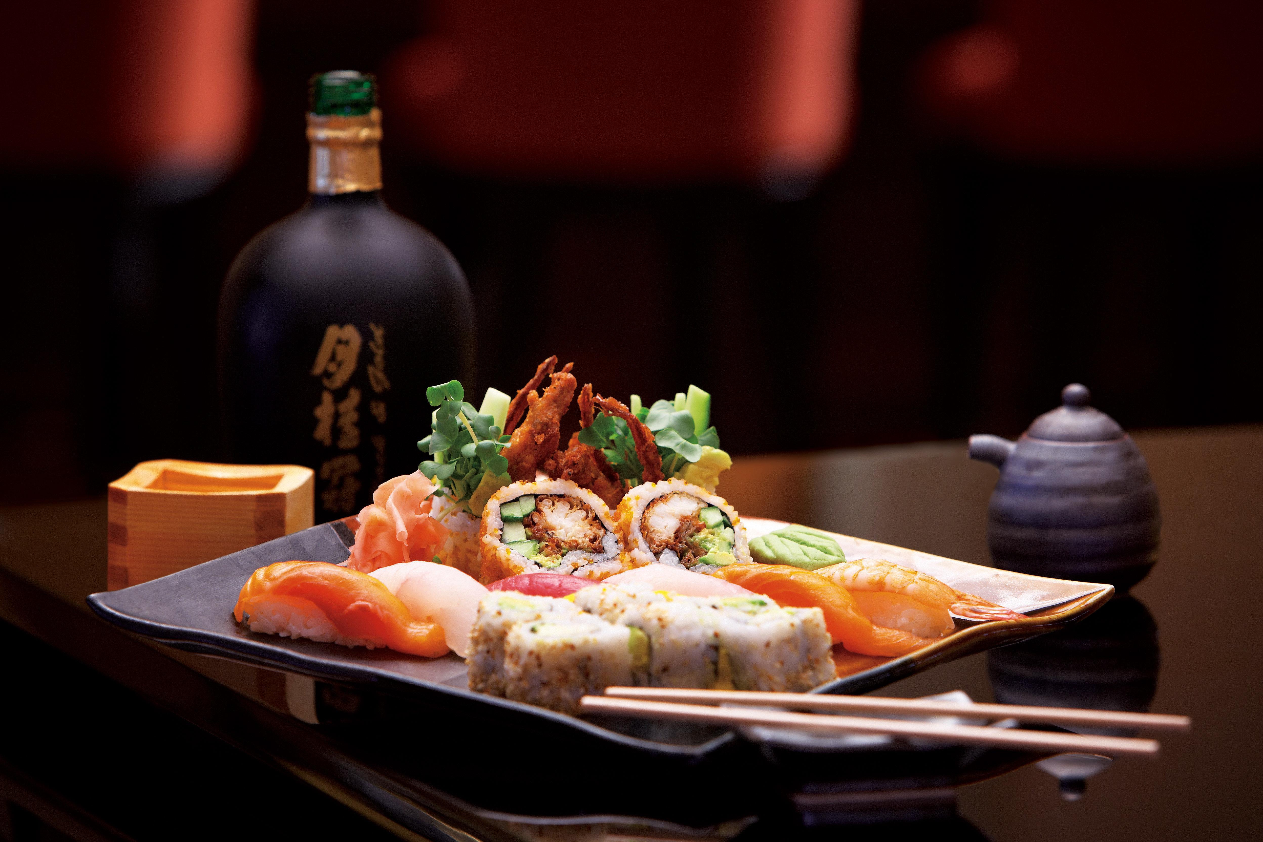 Dining Drink Eat food plate cuisine restaurant asian food Seafood sense dinner