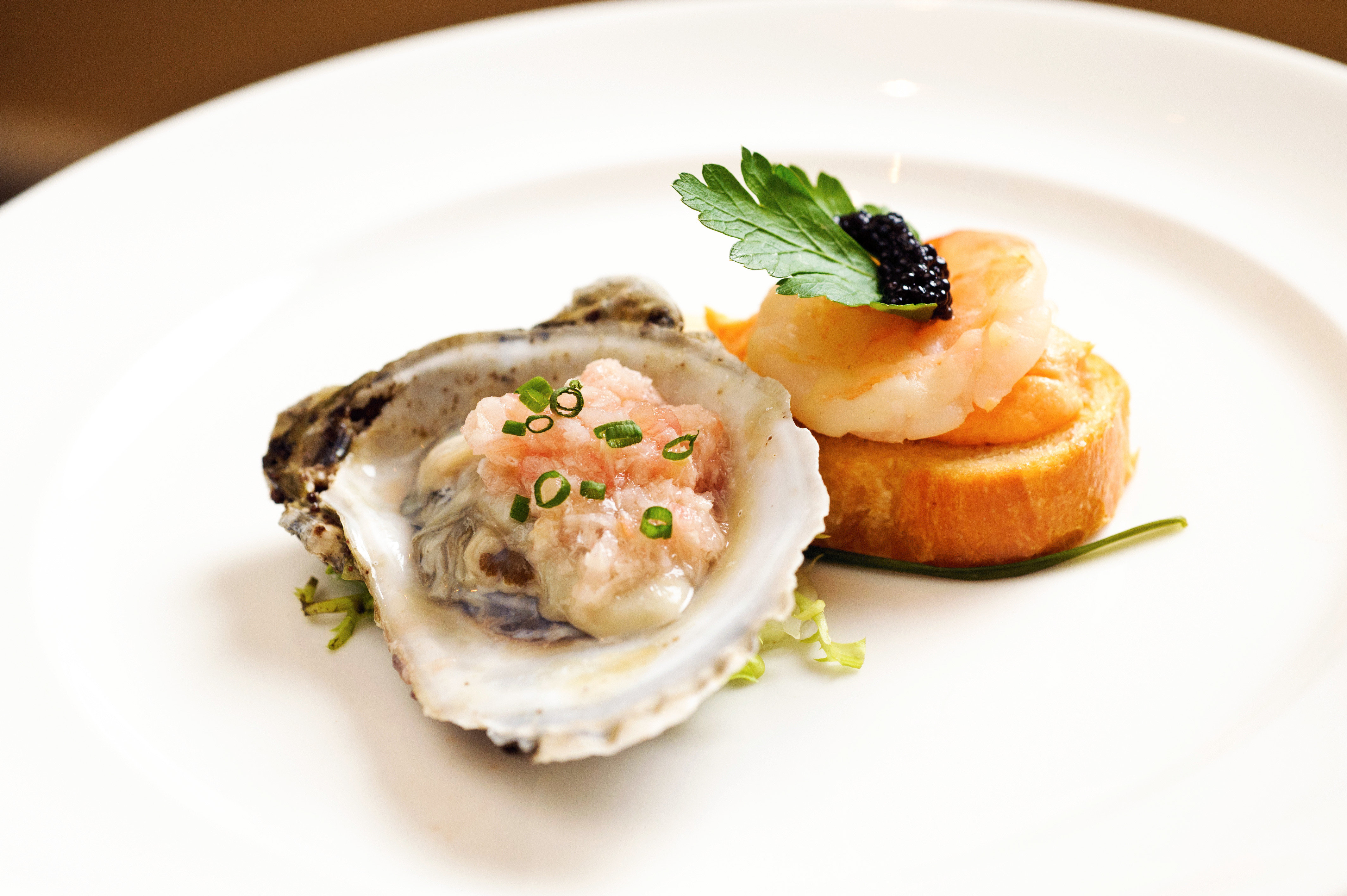 Dining Drink Eat plate food white Seafood cuisine fish hors d oeuvre invertebrate clams oysters mussels and scallops piece de resistance