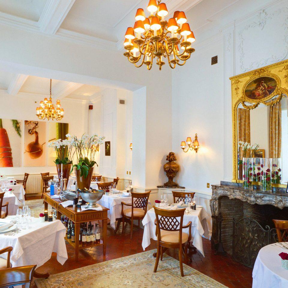 Dining Drink Eat property restaurant home living room Villa palace mansion