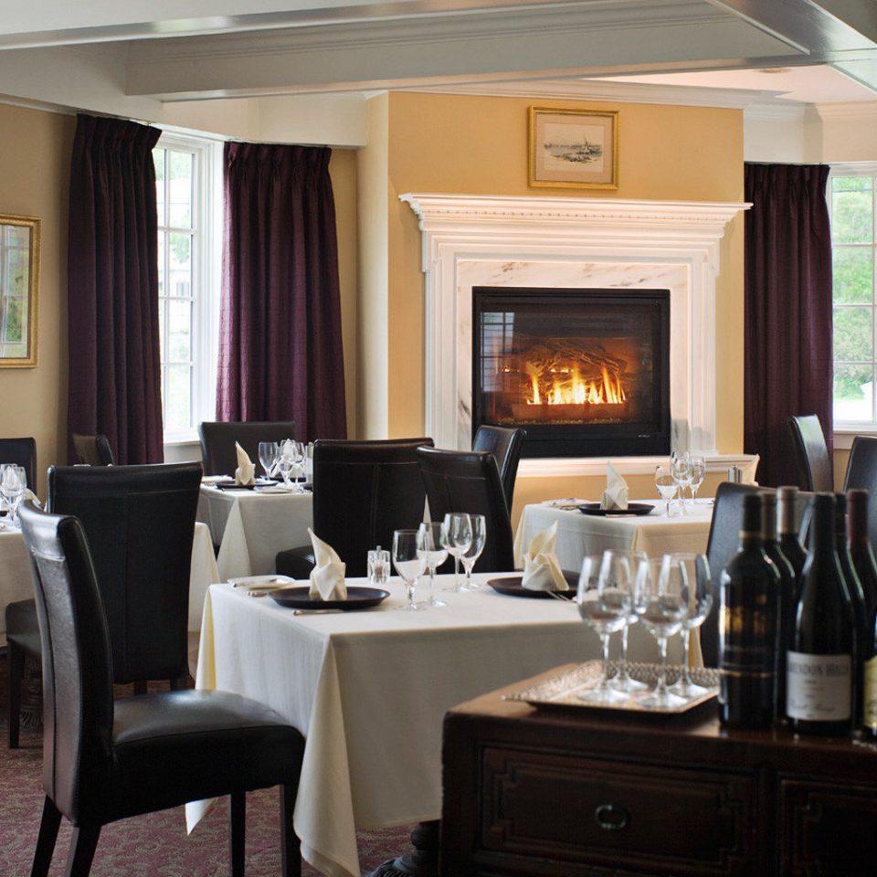 Dining Eat Elegant Fireplace property home living room Kitchen Suite cottage