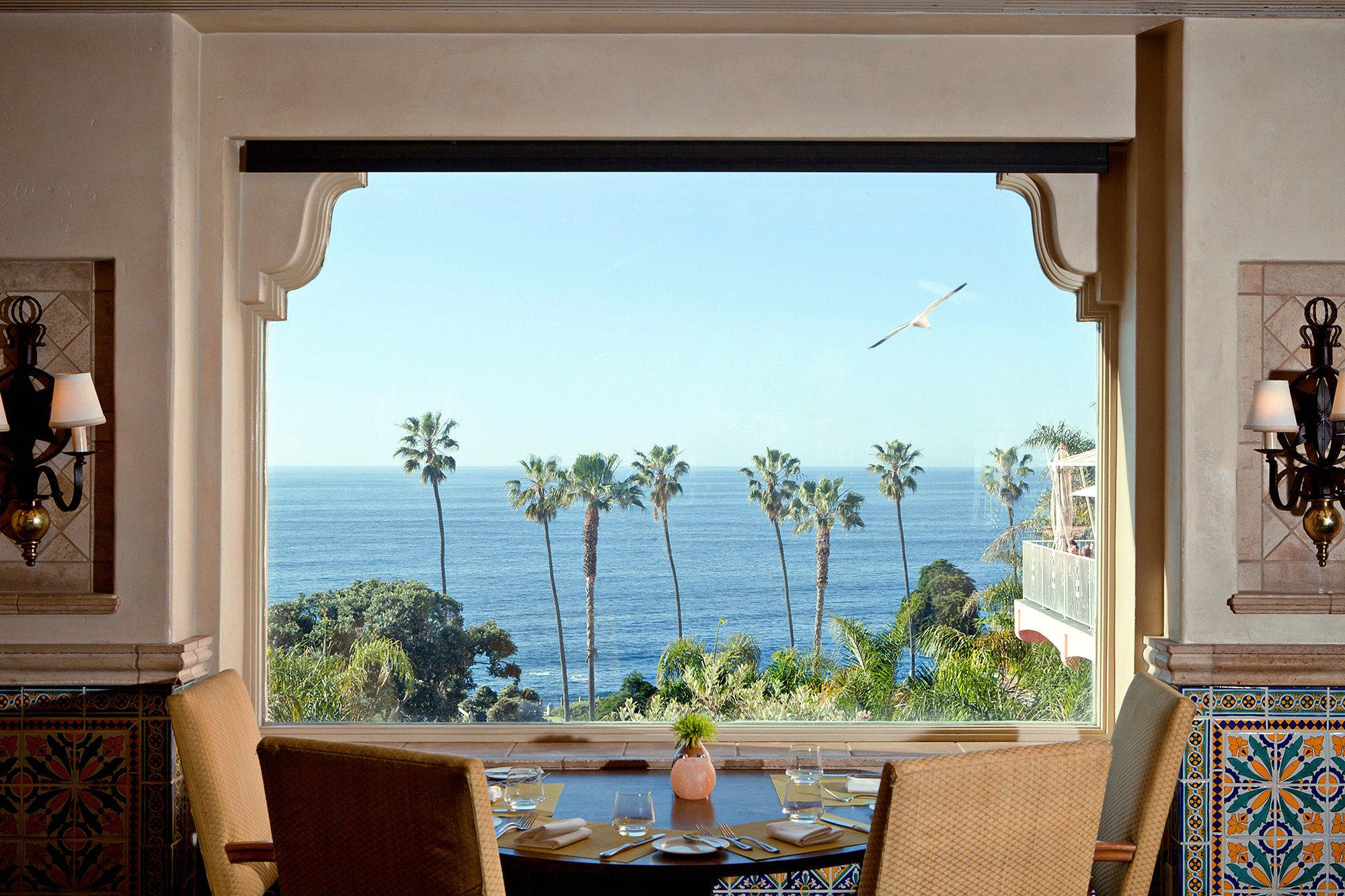 Dining Eat Elegant Hotels Luxury Tropical house property home living room mural mansion Villa cottage