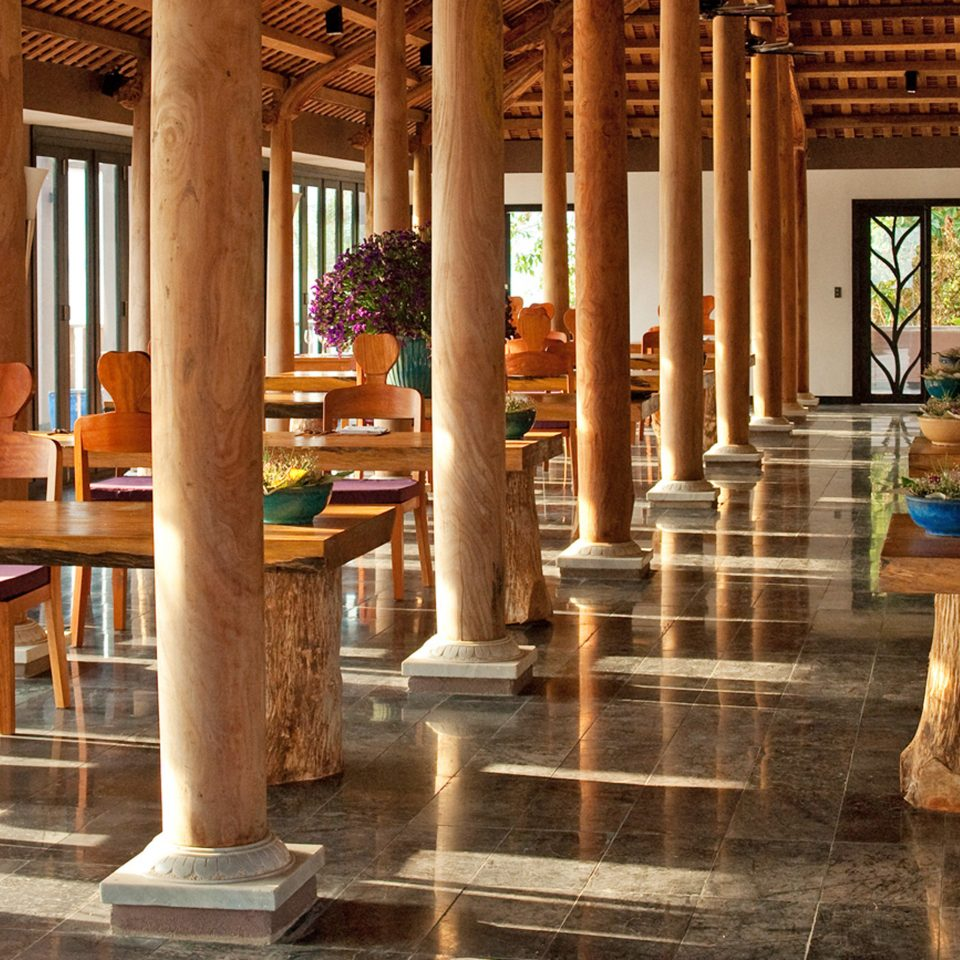 Dining Eat Resort building structure column wooden Lobby home ancient history temple tourist attraction porch colonnade